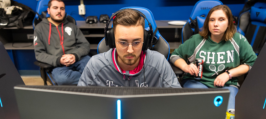 Garrit Stukemeier, a professional League of Legends gamer from SK Gaming in Germany plays demonstrates his abilities in SUNY Canton's Esports Arena.